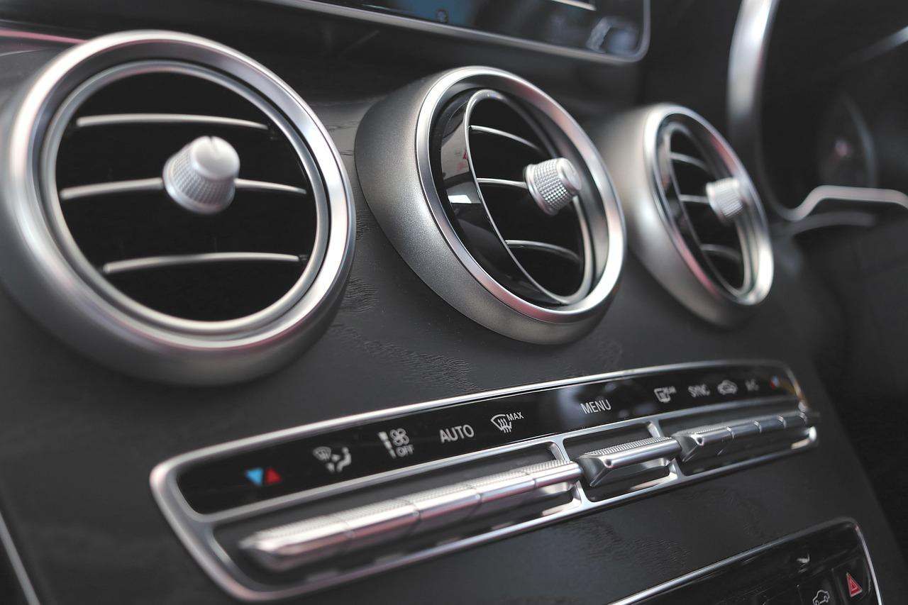Klimatyzacja w domu i w samochodzie