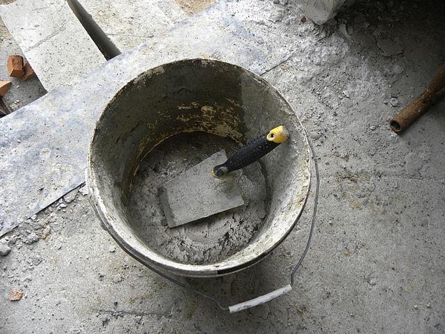 Najczęstsze błędy popełniane podczas przygotowywania zaprawy budowlanej