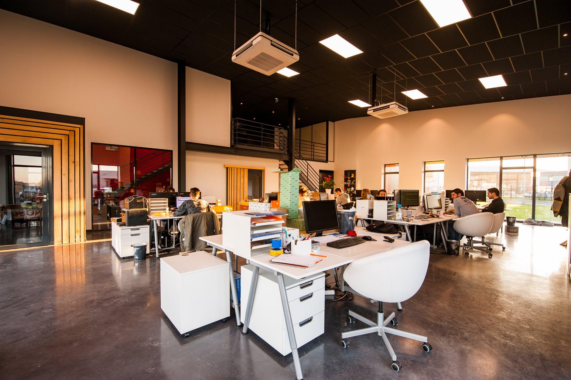 Na jaki kolor pomalować nowoczesne biuro?